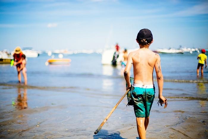 Pêche aux crabes au village de l'Herbe