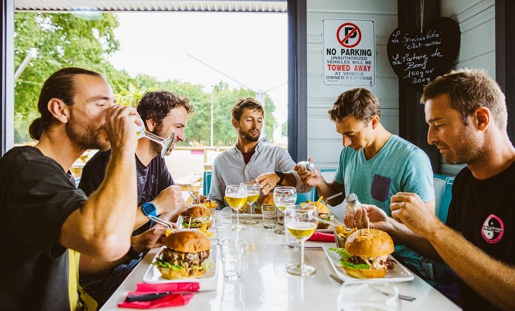 Un bon burger au Diners de Lège