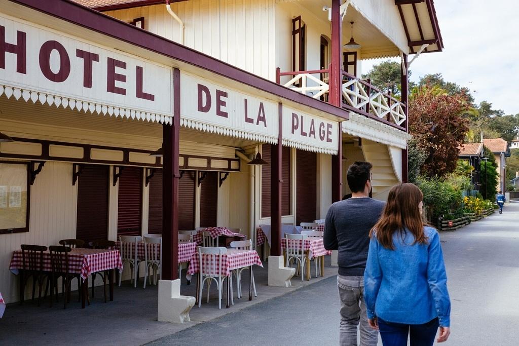 Hôtel de la Plage au village de l'Herbe